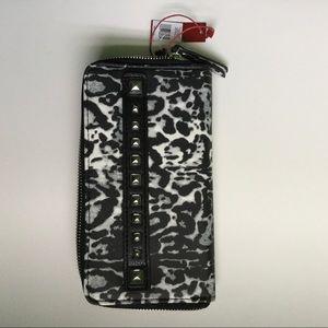 Enzo Angiolini Double Zip Multi Wallet